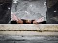 on Her own -Un dio... - di e con Olivia Giovannini- site-specific Opiemme c-o Pzzo Rosso Rolli days Danza Genova 21 e 22 settembre  013 photo Donato Aquaro_risultato